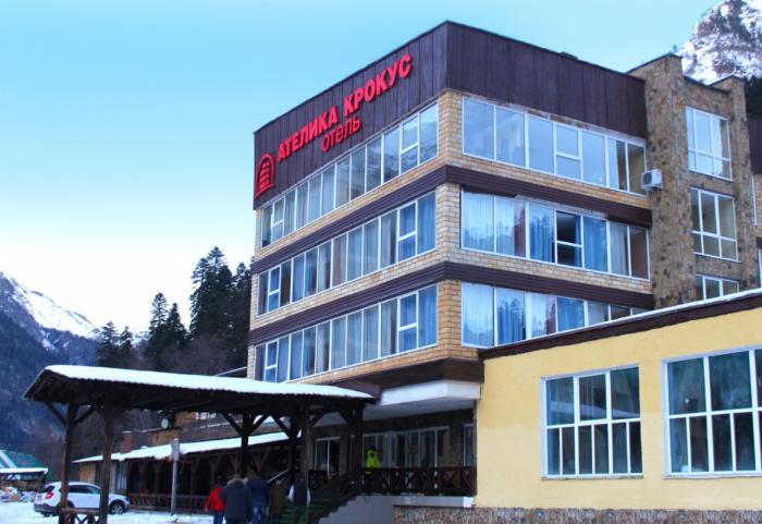 Вгорнолыжном поселке Домбай открылся новый отель сети «Ателика»