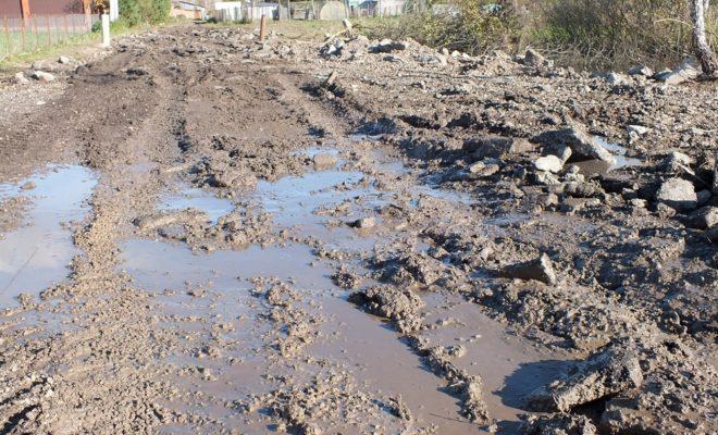 В Ферзиковском районе второй год не могут отремонтировать 240 метров дороги