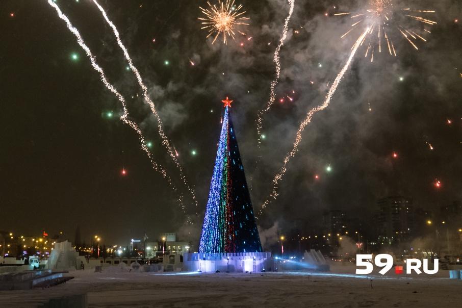 Огни на основной городской елке зажгут 15декабря