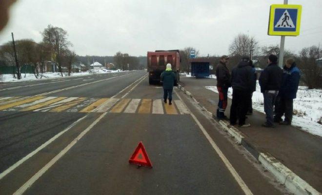 Грузовик сбил пешехода в Жуковском районе