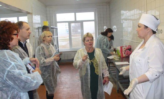 Активисты ОНФ настаивают на решении проблем с качеством питания детей в образовательных учреждениях Калуги