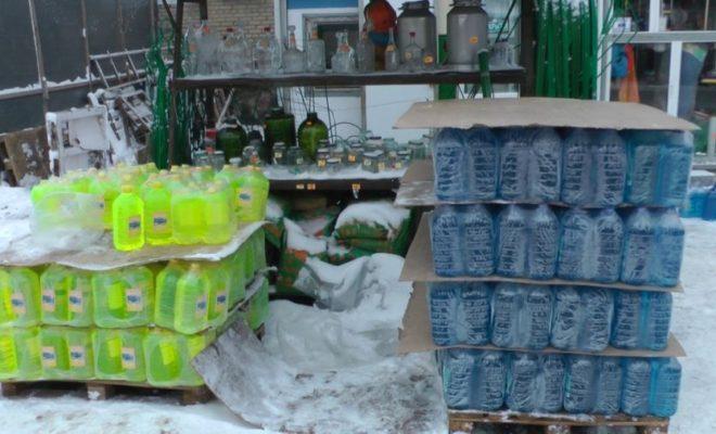 """Более 6000 литров подозрительной """"незамерзайки"""" изъяли полицейские в Обнинске"""