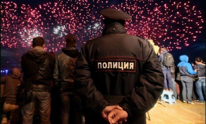 В Новогоднюю ночь 200 полицейских будут охранять порядок на Театральной площади