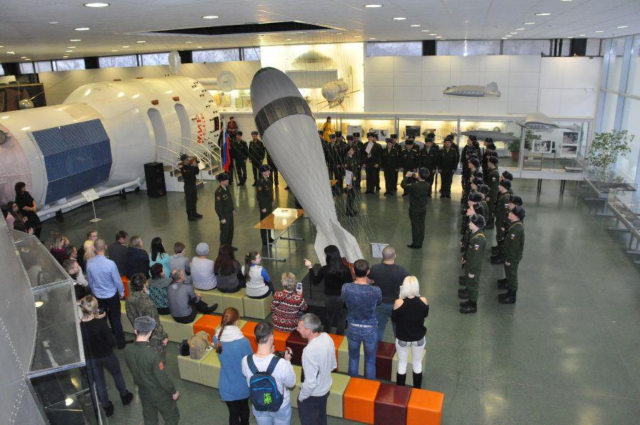 В музее истории космонавтики молодые бойцы присягнули Родине