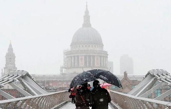 Тяжёлый снегопад вызывает беспорядки в северной Европе